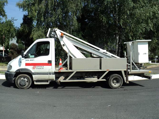 vente de nacelles sur camions vl d u0026 39 occasion  u00e0 bras t u00e9lescopique  pendulaire ou articul u00e9